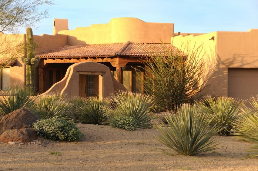 Southwest Landscapes Front Yard Of A Southwestern Style Home With Desert Landscaping Home Landscaping Desert Landscaping Desert Landscape Front Yard