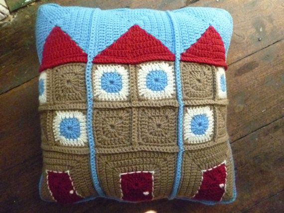 Inspiration... häkeln - crochet - Granny Square Kissen Haus