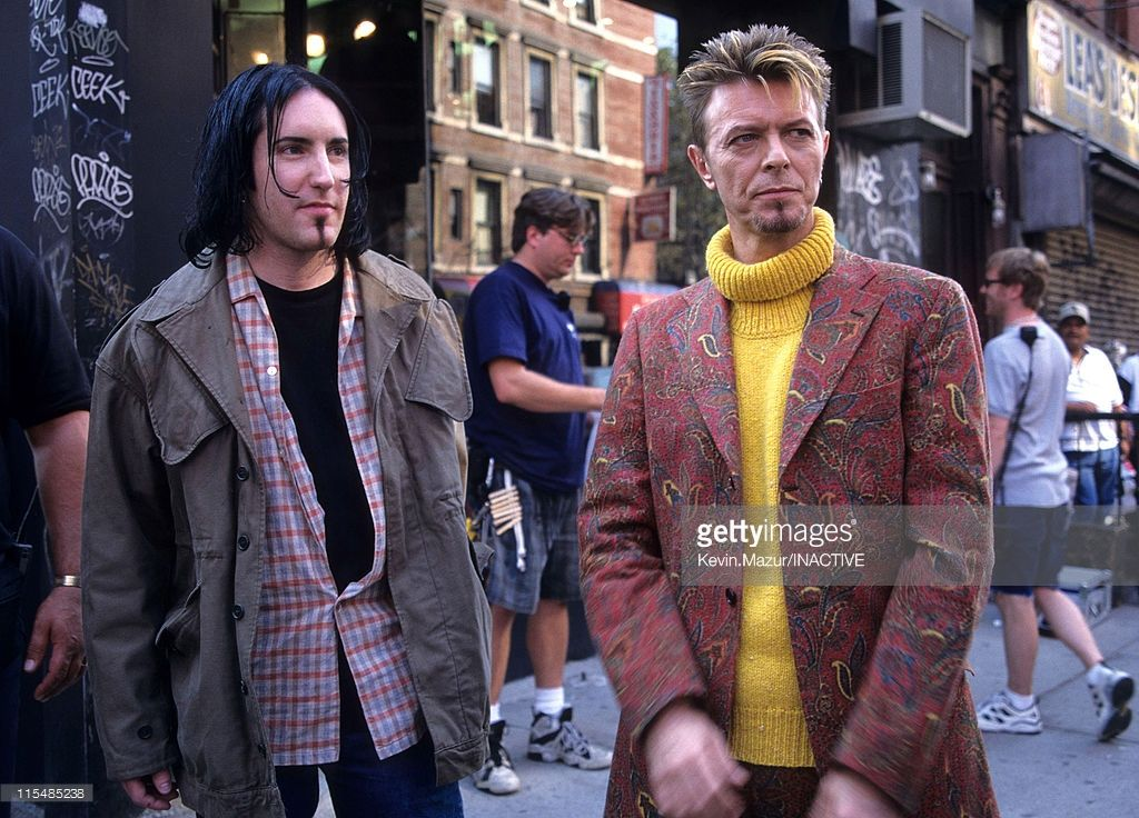 trent-reznor-and-david-bowie-during-david-bowie-video-shoot-for-im-picture-id115485238 (1024×736)