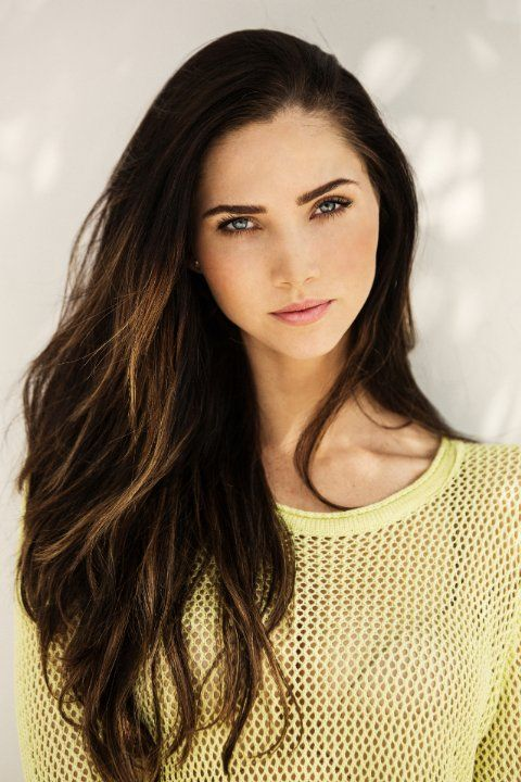 18 Years Old Vietnamese: (FC: Jessica Green) Hello, I'm Danielle Howell, And I'm 18