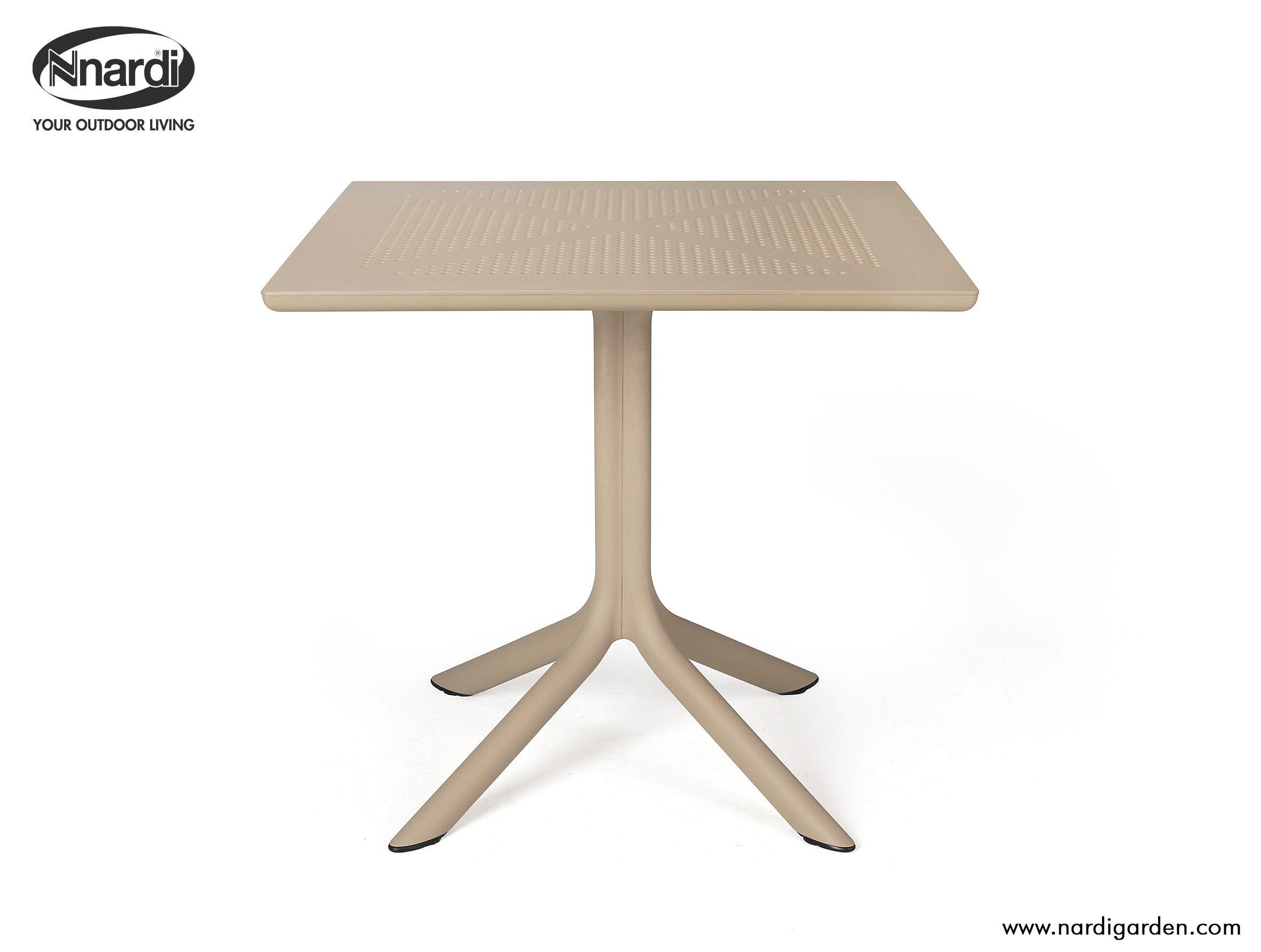 Clip Outdoor Tisch Quadratisch Von Nardi In Vier Verschiedenen Farben Mobel Gartenmobel Lounge Set Gartentisch
