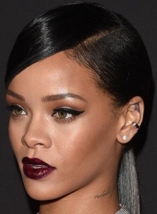Rihanna Hairstyles Extraordinary 50 Best Rihanna Hairstyles  Rihanna Hairstyles Side Swept And