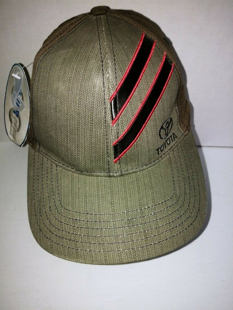 Toyota Fitted Gray Hat Black Leather Strips Size Large  Toyota  BaseballCap 6d3252046f4a