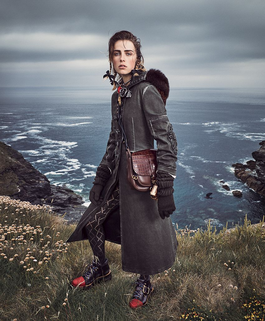 3e476db819ba Vogue September 2016 Photography  Mikael Jansson Styled by  Tabitha Simmons  Hair  Eugene Souleiman Makeup  Hannah Murray Production  Kate Miller  North  Six ...