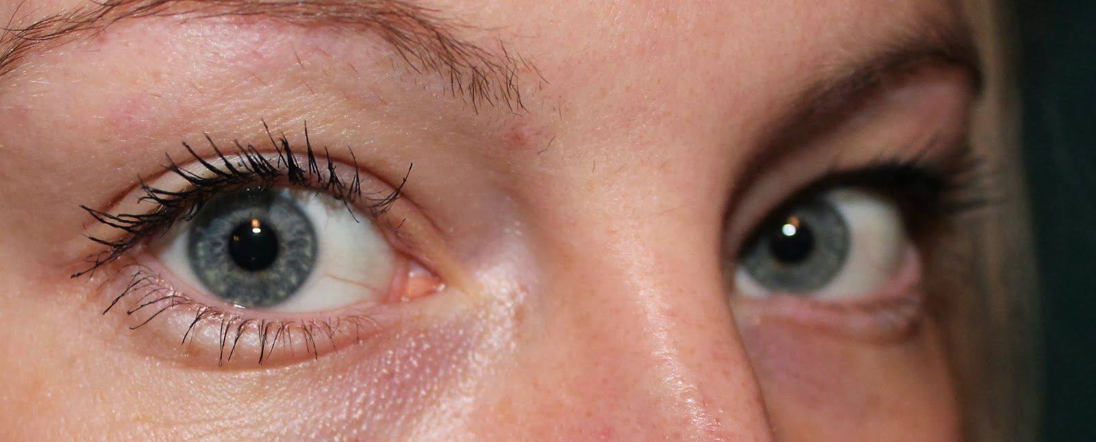 e5882d706bc Rimmel Scandaleyes Retro Glam Mascara Review - Product in use - Eye Swatch