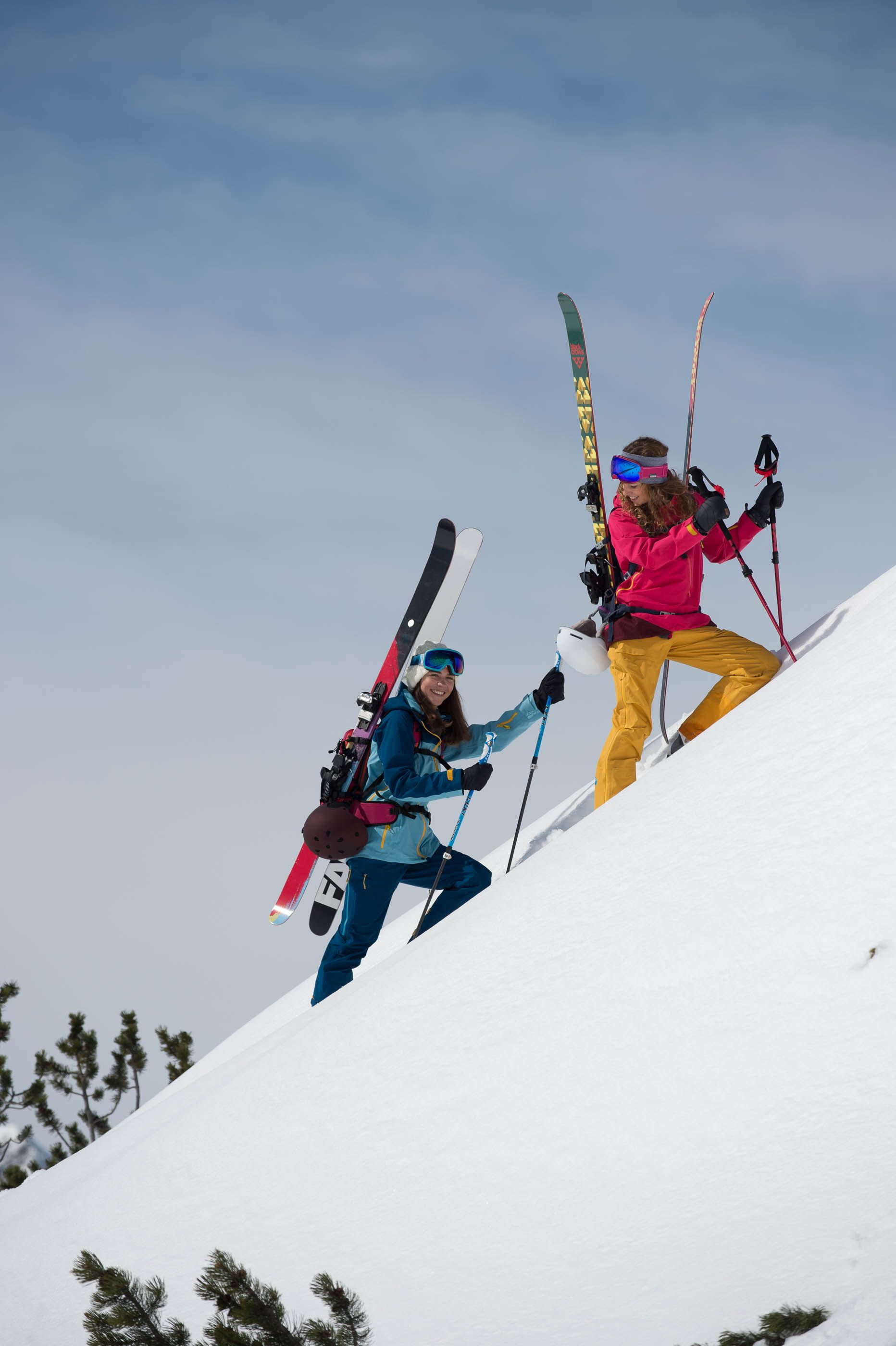 Pin by WomanMax.pl on Trening | Ski touring, Skiing, Snow wear
