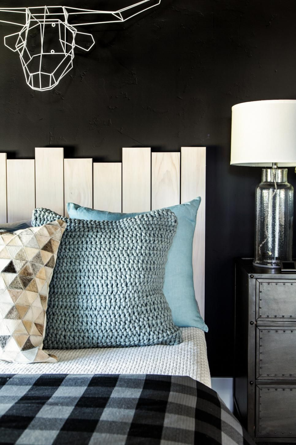 Modern Mountain Holidays At Hgtv Dream Home 2019: HGTV Dream Home 2019: Red Guest Bedroom Pictures
