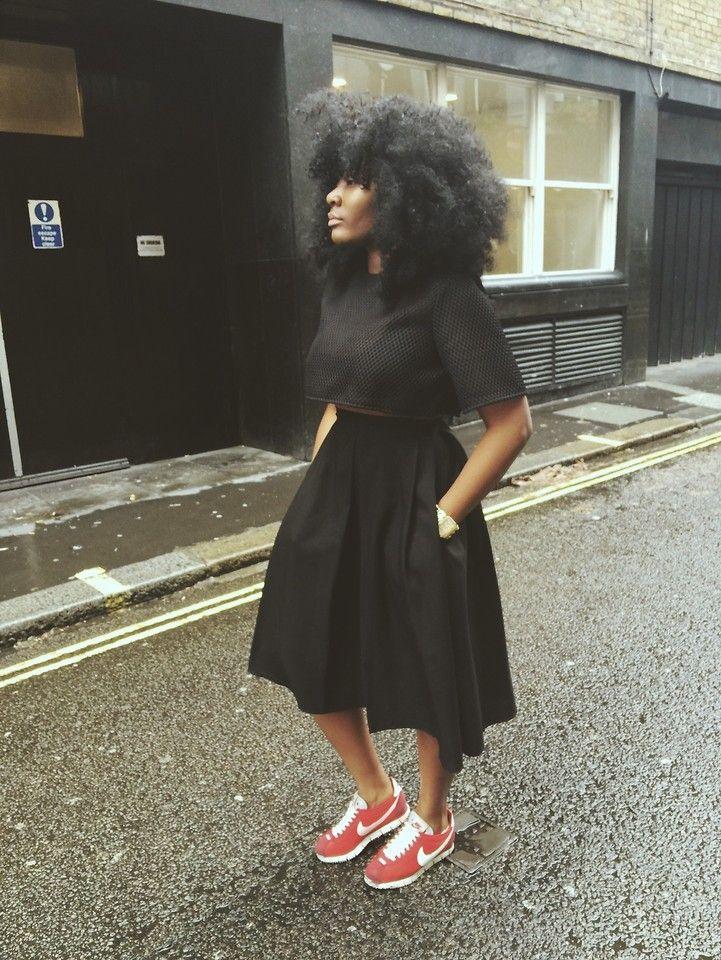 Bien connu AQAQ x CHEFLDN Crop Top. Black and simple. Love these red Nike  GJ77