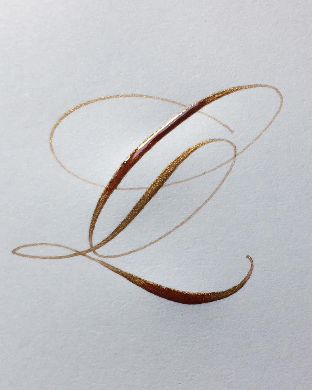 Letter 'Q' in copperplate copper Copperplate calligraphy