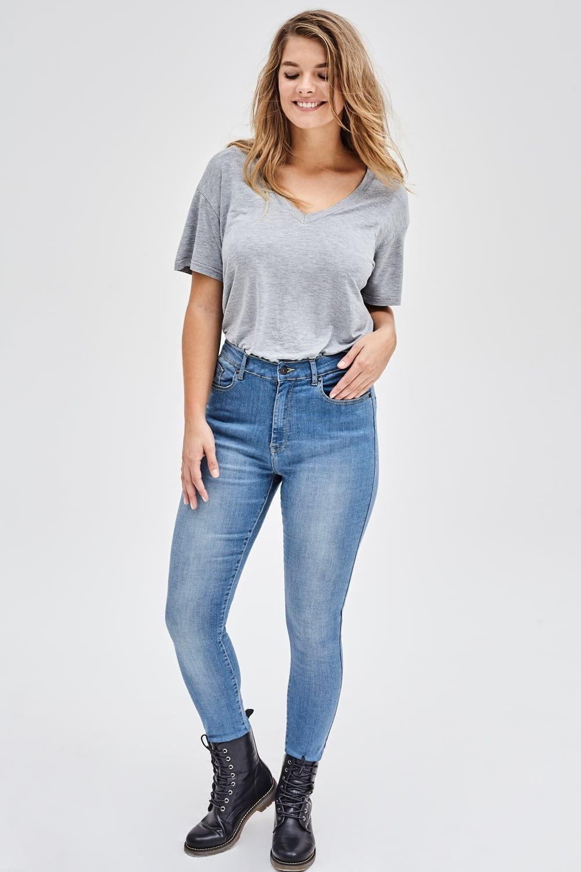 8209bdc310f Milan Jeans
