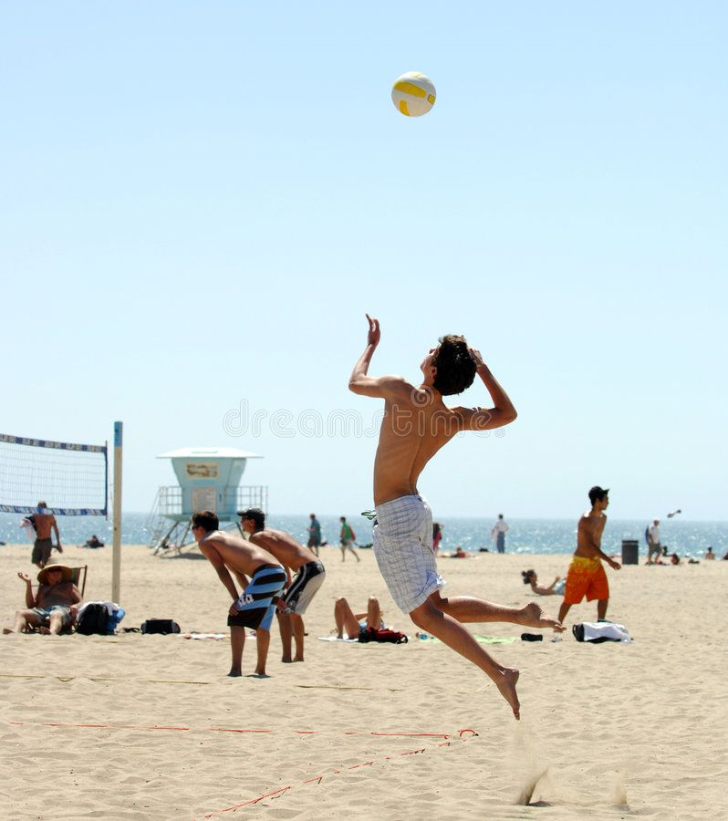 Beach Volleyball High Flying Serve In Beach Volleyball Match Ad High Volleyball Beach Match Beach Volleyball Volleyball Pictures Mens Volleyball
