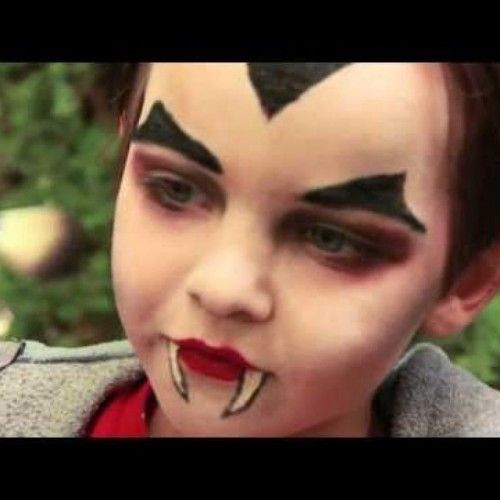 Easy Halloween Makeup For Kids.Pin By Laurie Mccrea On Costumes Vampire Makeup