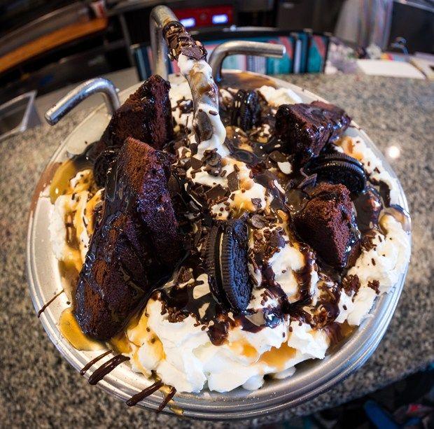 Chocolate Lover S Kitchen Sink At Beaches Cream Free Disney Dining