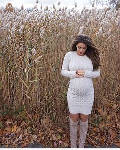 Inspiration For Pregnancy and Maternity : Love this idea for a fall photo shoot! Found by Freebies-For-Baby……