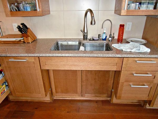Wheelchair Accessible Kitchen With Panel To Protect From Hot Pipes - Kitchen for wheelchair user