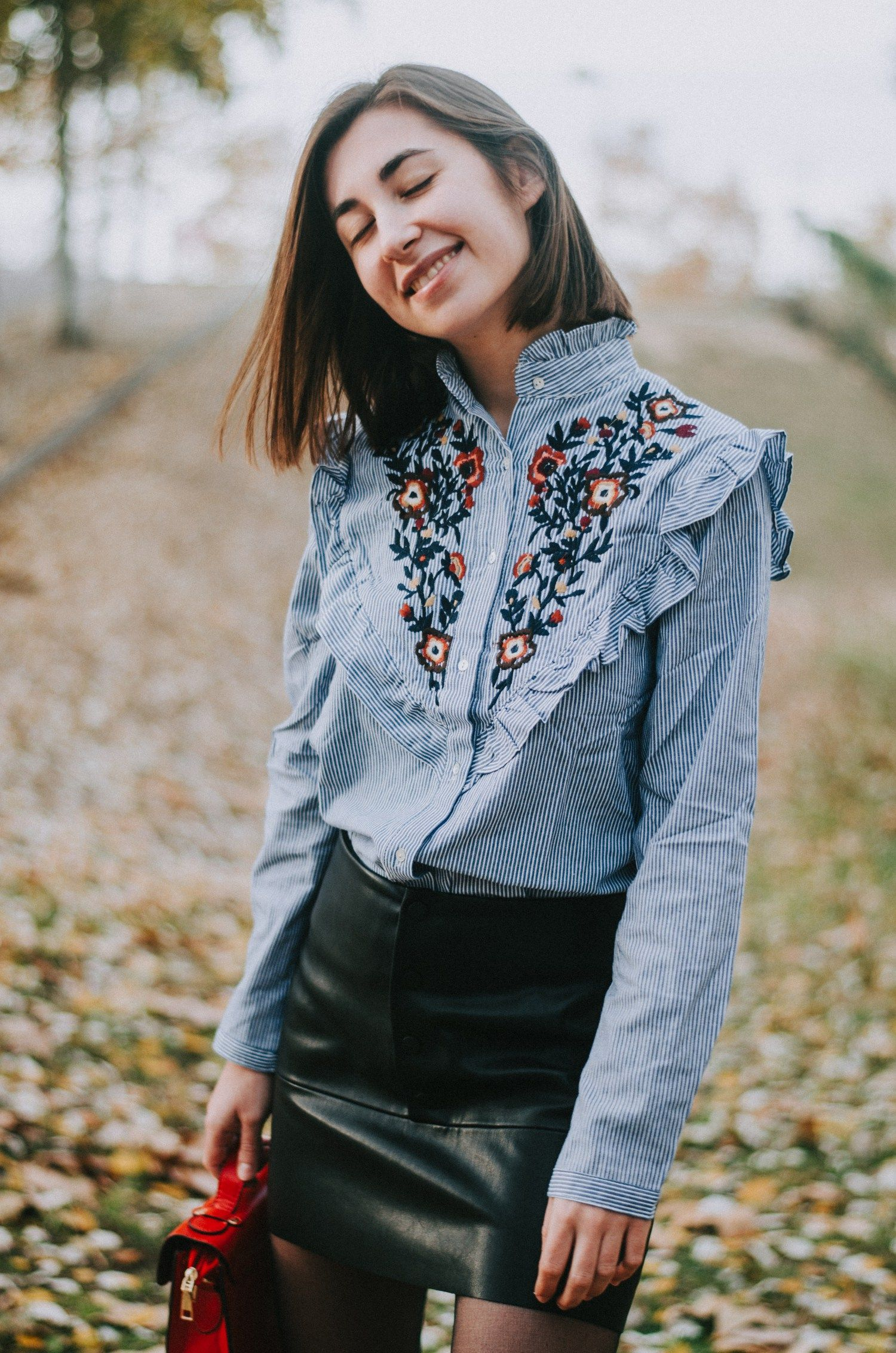 Simple and cute outfit ideas for Fall and Winter for college and high school students. We may have to wait till Spring to see flowers but at least we can still wear them!
