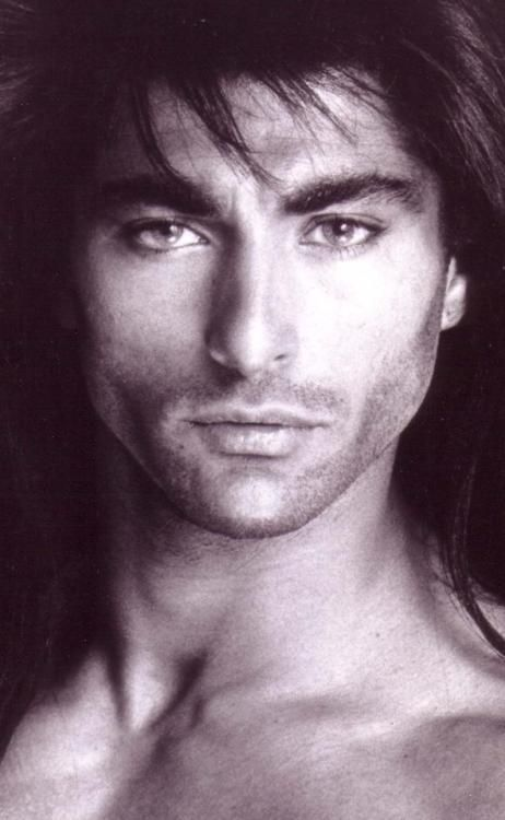 I Am In Awe At How Absolutely Gorgeous This Man Native American Men Native American Actors Native American Beauty
