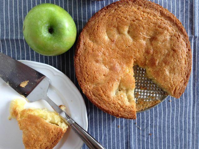 Norwegian Apple Cake (Eplekake)