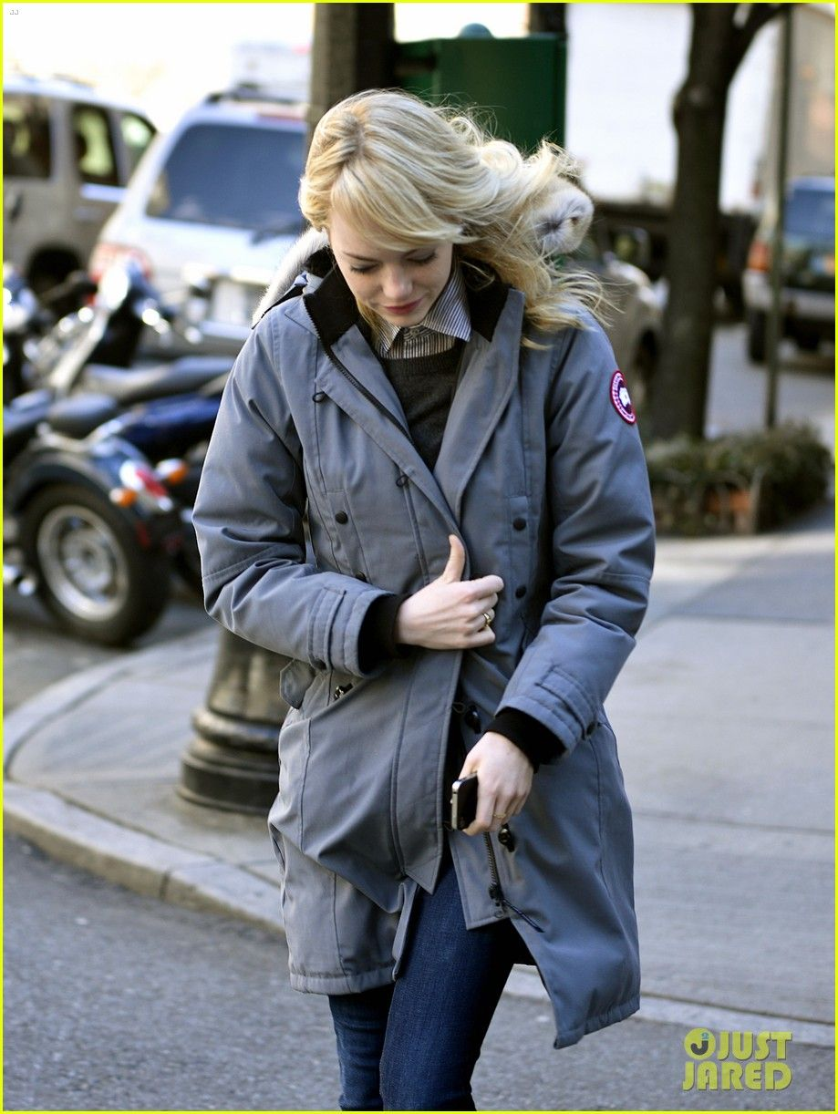 35006ec81973 Emma Stone   Andrew Garfield Bundle Up in Canada Goose