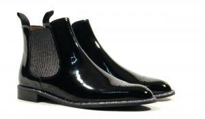 Botines de charol con elásticos Pertini Botines chelsea de la marca Pertini  modelo 12721. Botines