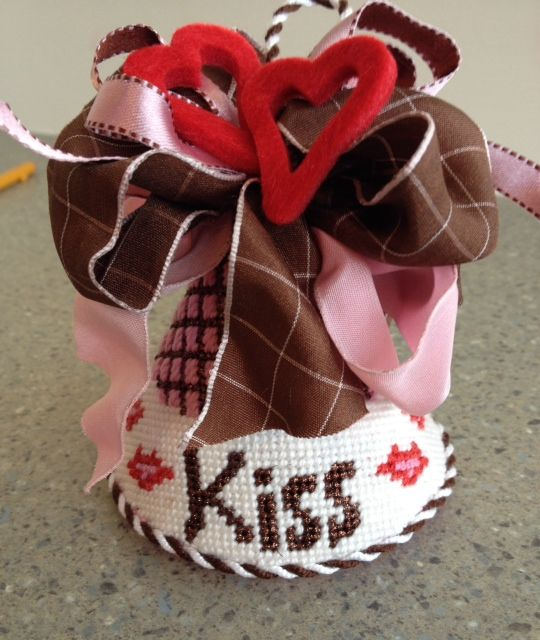 Fabulous bows & trims on the BBD kiss