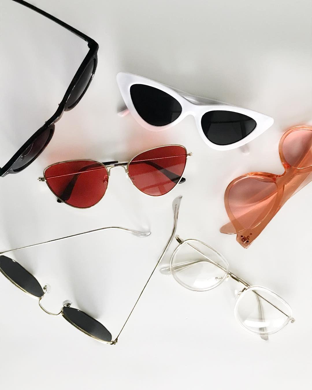 f5b20c58050e2 I N S T A G R A M   CHANECOLOJA 🕶 Quem aí ama um óculos retrô  Nós amamos  tanto que