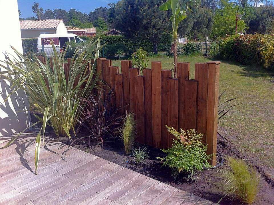 Uneven Fence Modernfrontyard En 2020 Amenagement Jardin Decoration Jardin Exterieur Projets De Jardins