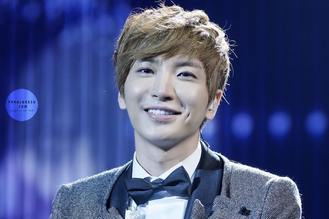 14 Idols With The Cutest Dimples You Ve Ever Seen Super Junior Leeteuk Leeteuk Dimples