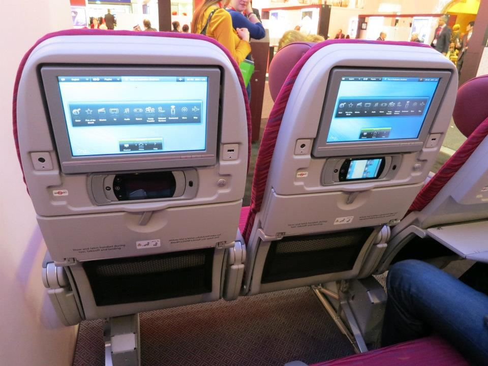 Qatar Airways Reveals 787 Business And Economy Seats Each Seat Features Personal Inflight Entertainment With A 10 6 Inch Screen Usb And Ac Power Are Also Pr