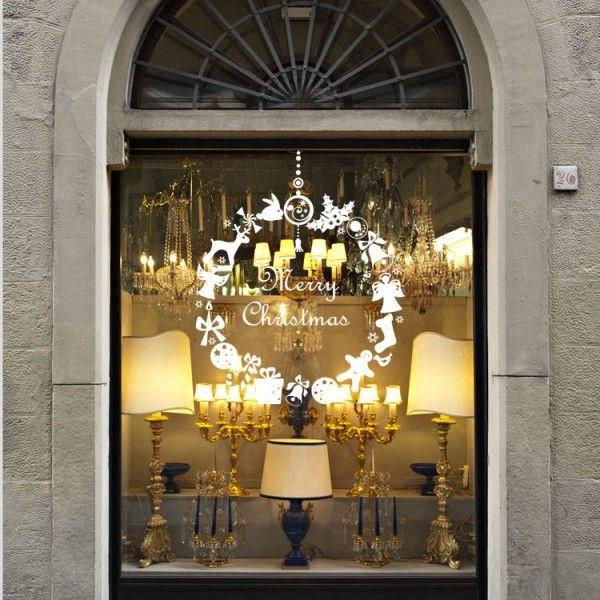 d corez votre vitrine ou les murs de votre boutique avec cet l gante couronne de no l. Black Bedroom Furniture Sets. Home Design Ideas
