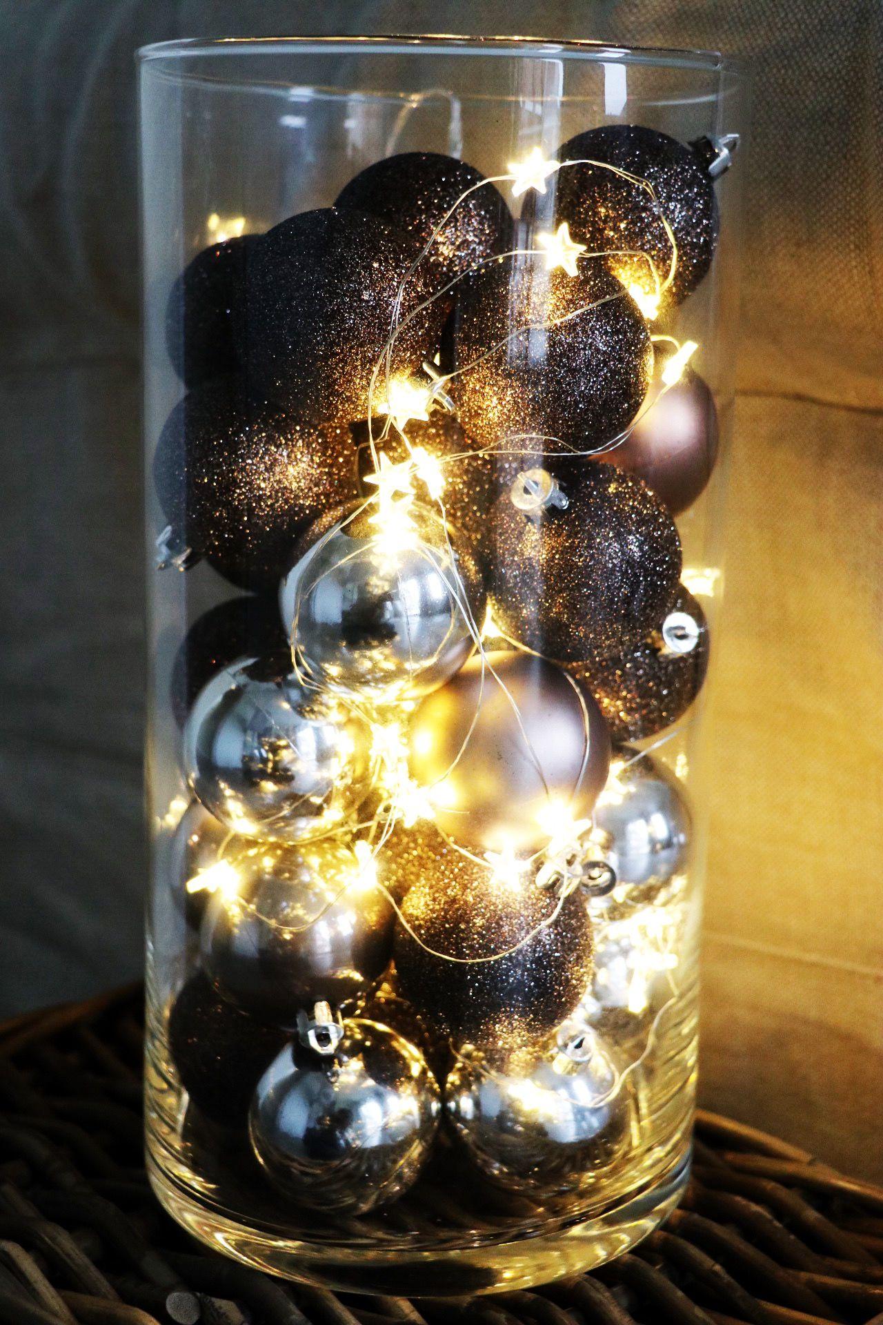 unsere deko idee f r eure weihnachtskugeln und eine lichterkette ab damit in die nanu nana. Black Bedroom Furniture Sets. Home Design Ideas