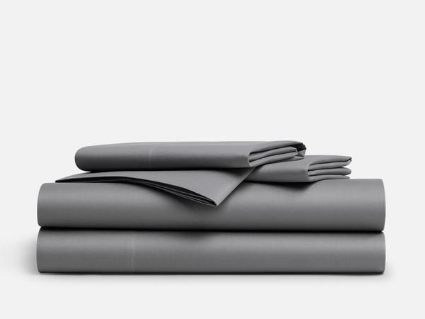 These Soft Cool And Crisp Sheets Will Make Your Whole Bed Feel Like The Side Of Pillow Designerbedsheets Luxurybeddingnavy