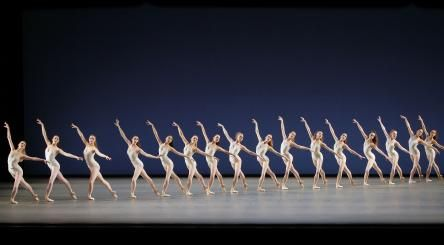 corps de ballet in Symphony in 3 movements