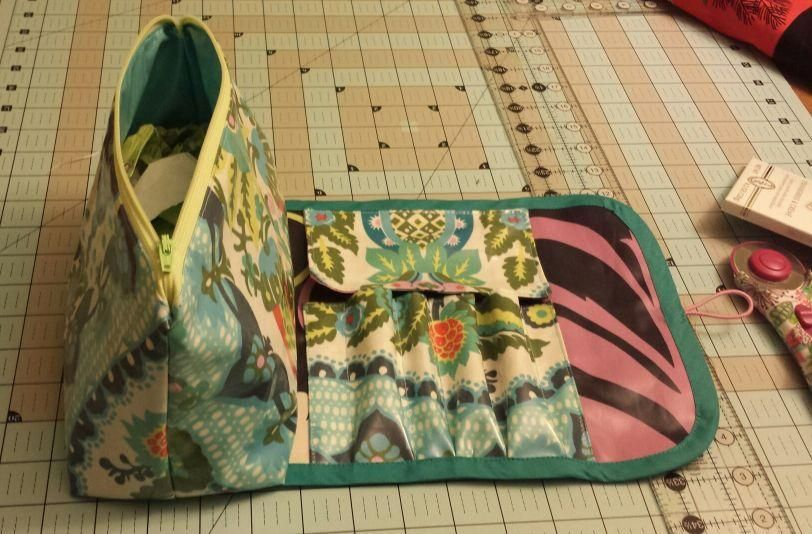 b5d0c64a63 You have to see My So Sew Easy Cosmetic Bag  brush roll on Craftsy ...