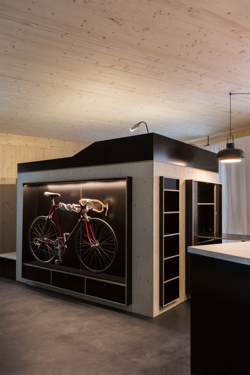 nils holger moormann creates kammerspiel living cube for micro apartments