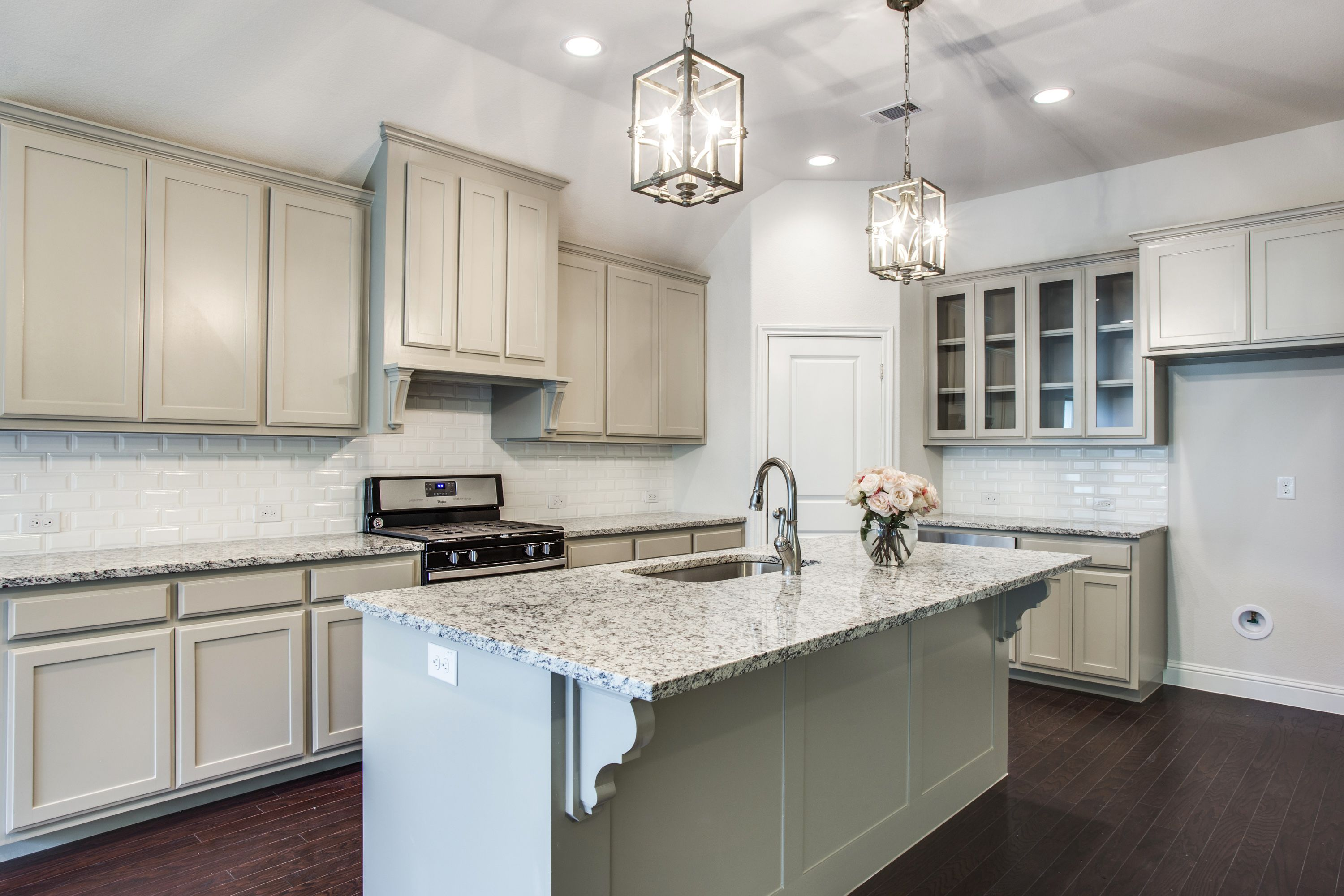 Best Amazing Gray Cabinets White G Countertops Southern Style 400 x 300