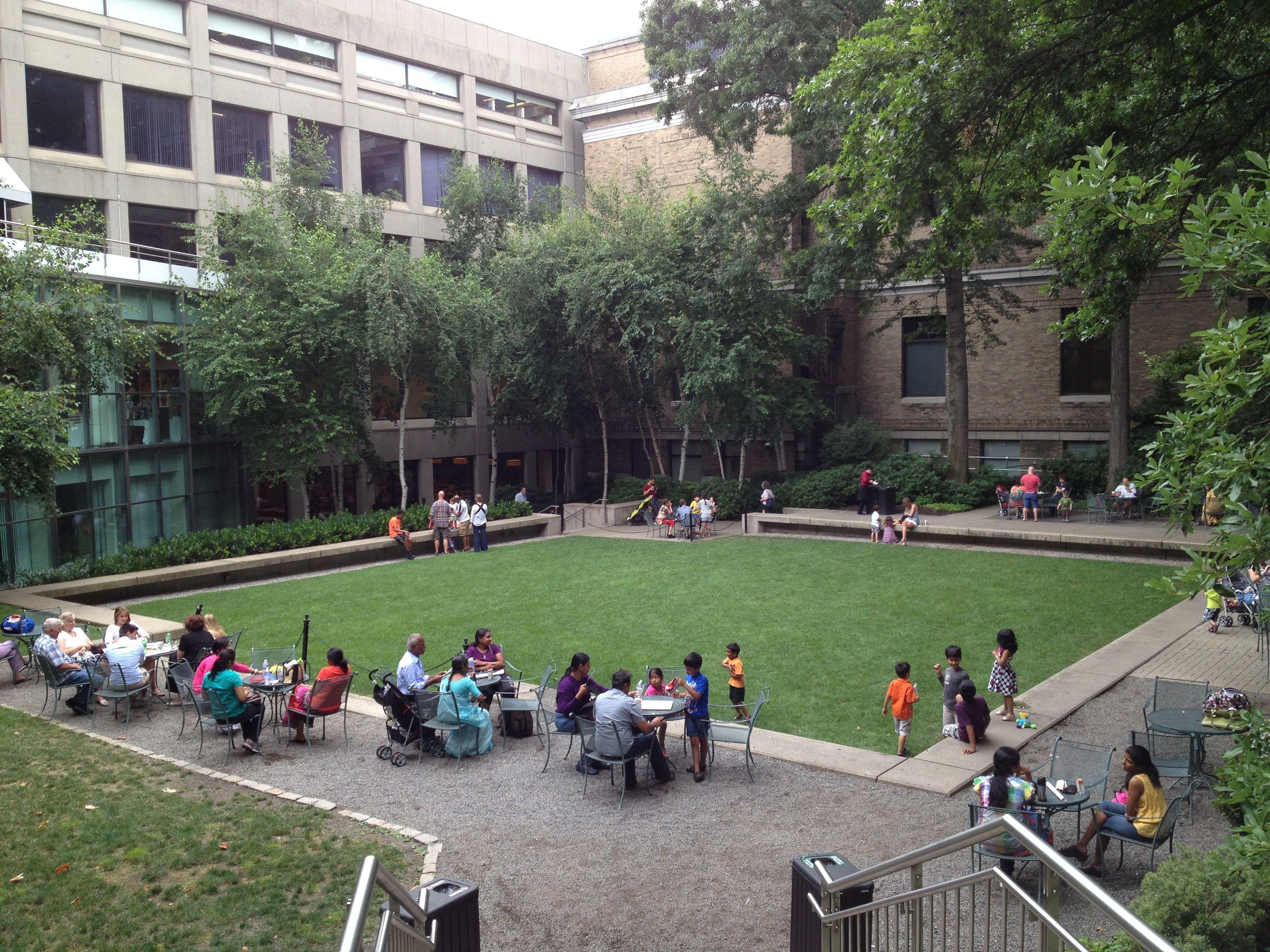 mfa-courtyard.jpg (3264×2448)
