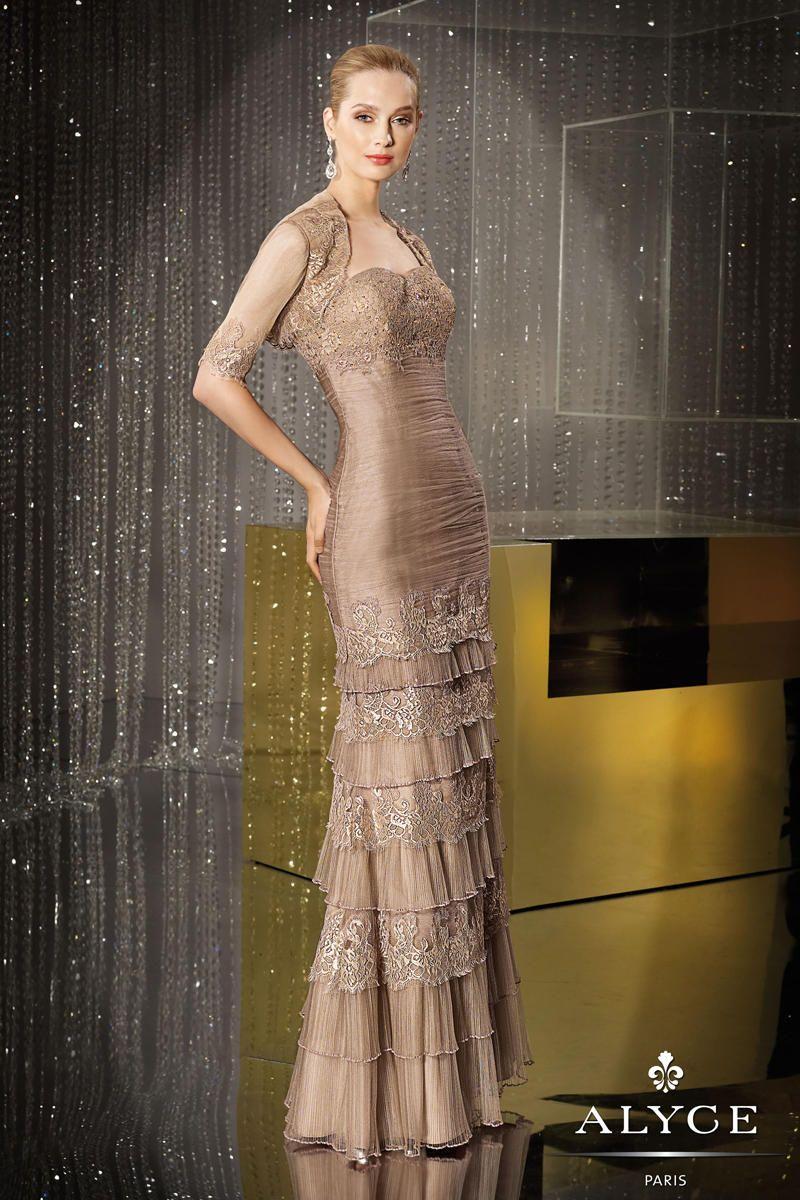 T-length lace wedding dresses november 2018 Cynthia Vargas Guardado cynthiaguardado on Pinterest