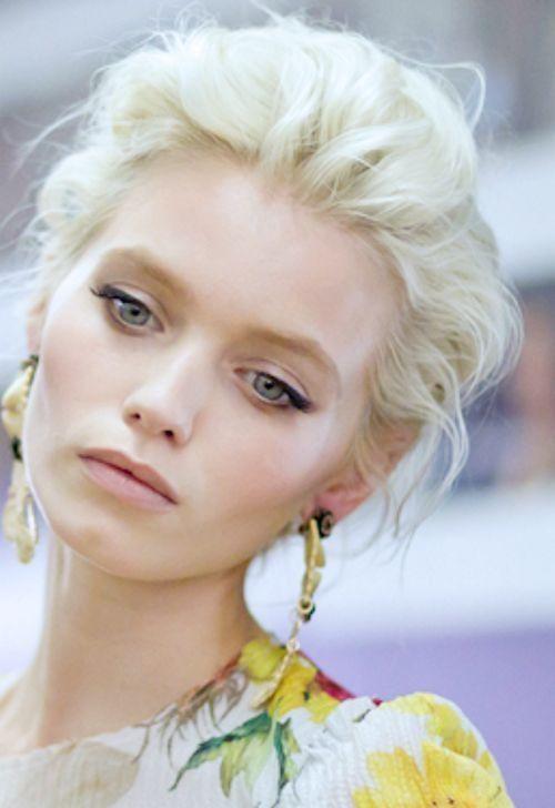 Fresh And Simple Stunning Hair 3 Platinum Blonde Hair