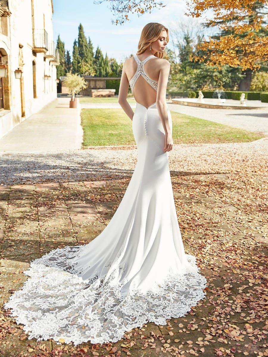 Stella York Spring 2018 Bridal Collection World Of Bridal Halter Wedding Dress Wedding Dresses Halter Top Wedding Dress [ 1400 x 670 Pixel ]