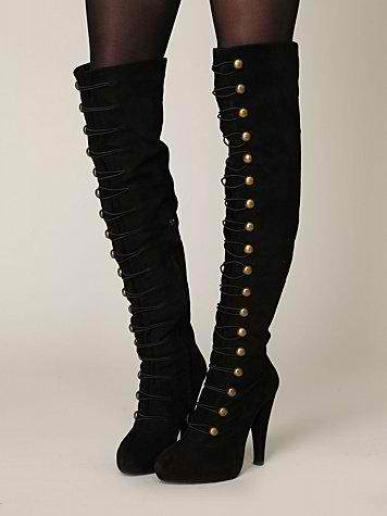 These would look amazing with any skinny jean outfit with a sweater, suit jacket, and scarf! Talk about making an outfit!