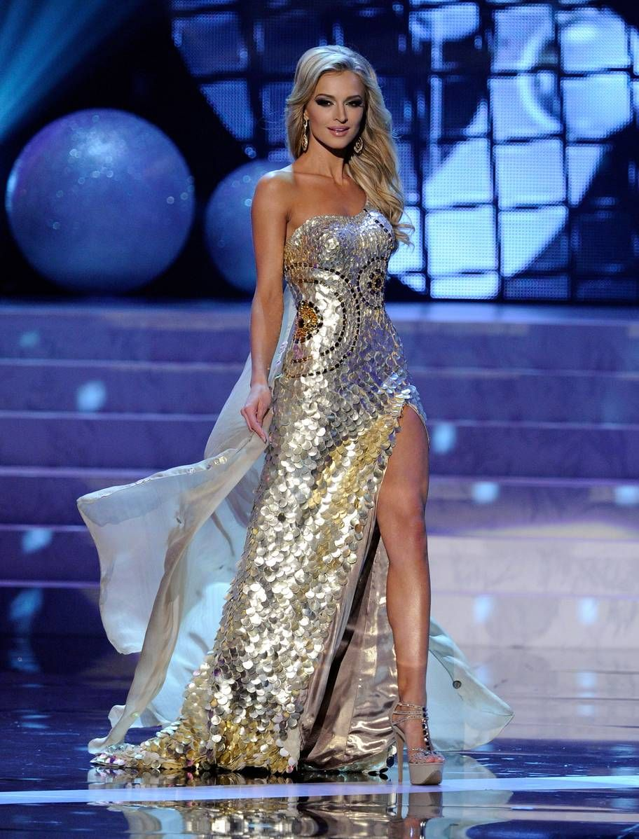 47139762e3b5b The Most Memorable Gowns From the Miss Universe Pageant   what makes ...