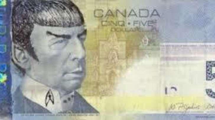 El homenaje a Mr. Spock que está volviendo loca a la economía de Canadá. Imagen de un billete de cinco dólares pintado con la cara de Mr. Spock. - See more at: http://multienlaces.com/el-homenaje-a-mr-spock-que-est%c3%a1-volviendo-loca-a-la-econom%c3%ada-de-canad%c3%a1/#sthash.DlWIDmLl.dpuf