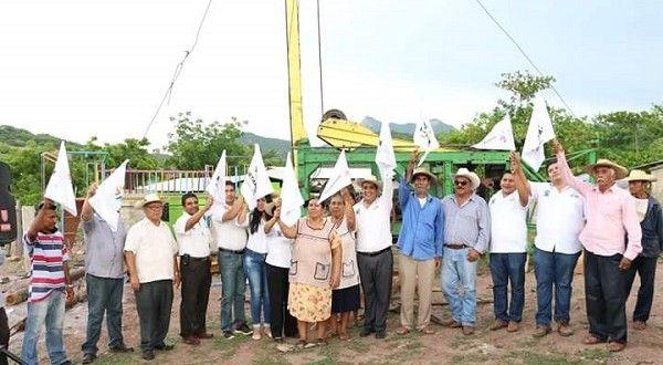En favor de la población de la tenencia de San Jerónimo, el presidente municipal de Huetamo, Elías I...