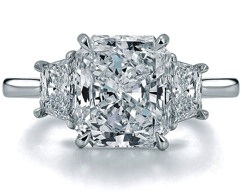 Radiant Diamond Engagement Ring with Trapezoids side diamonds