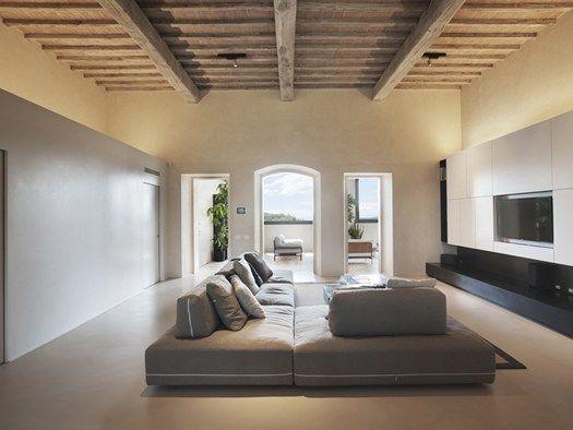 Il recupero di una villa colonica del 39 400 nella campagna for Interni architettura