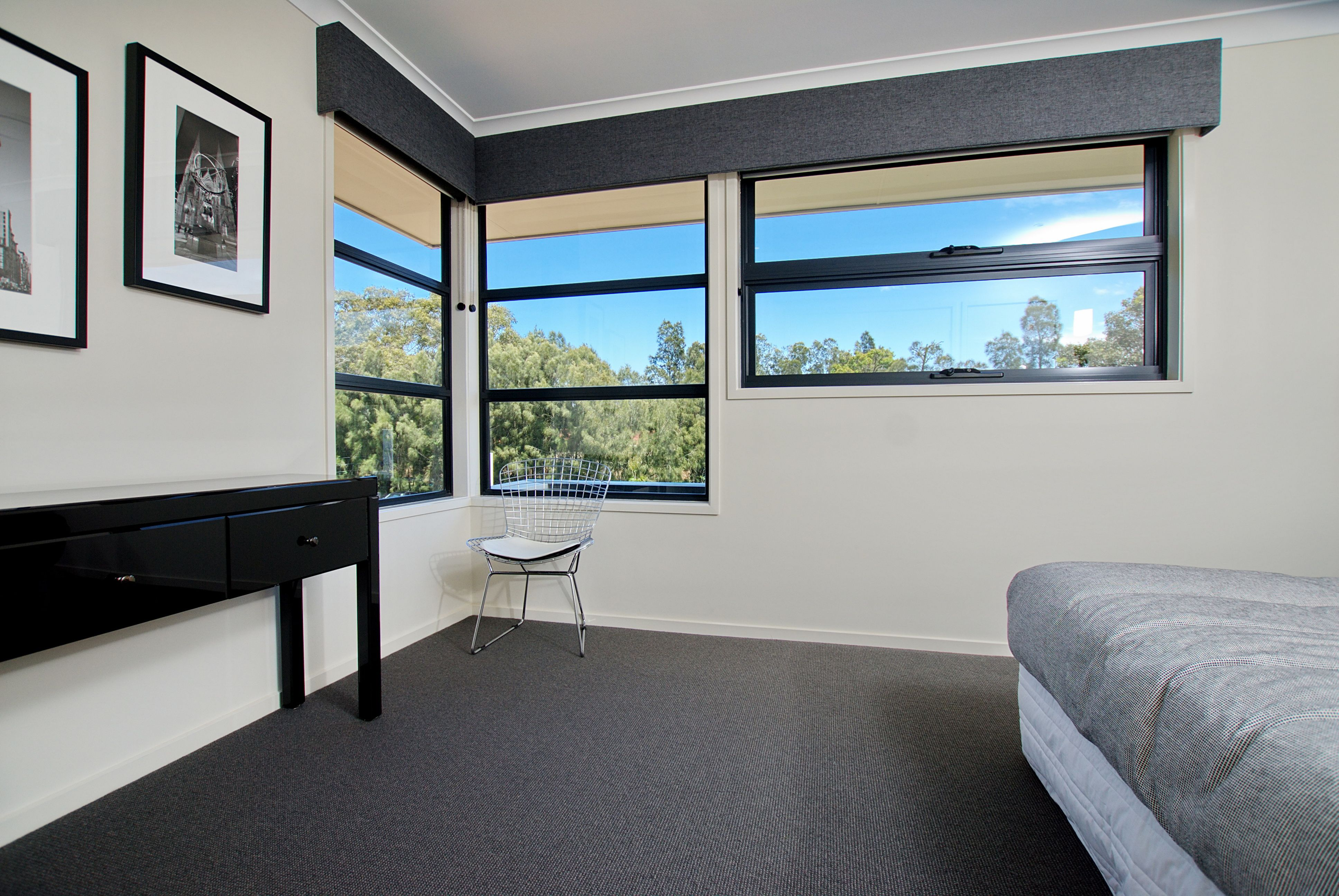 Horizon Aluminium Awning Window Are The Perfect Addition To A Bedroom Or Study Looks Great Combined With Fixed Lites Awning Windows Windows Windows And Doors