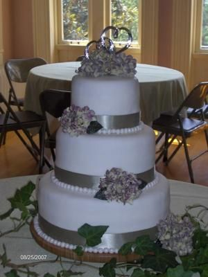 wedding cake silver ribbon wedding cake with silver ribbon this cake was a 3 tier 24552