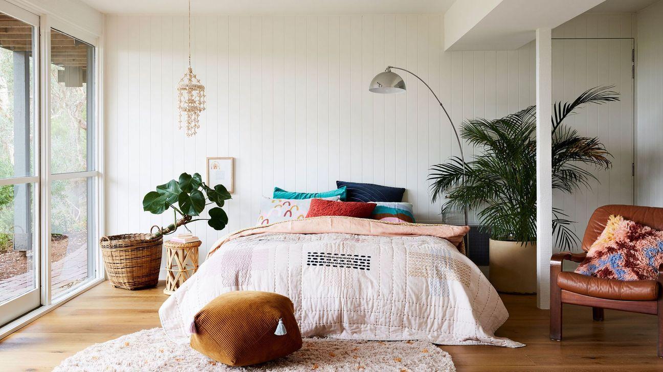 32 Gorgeous Modern Bohemian Bedroom Decor Ideas - SearcHomee