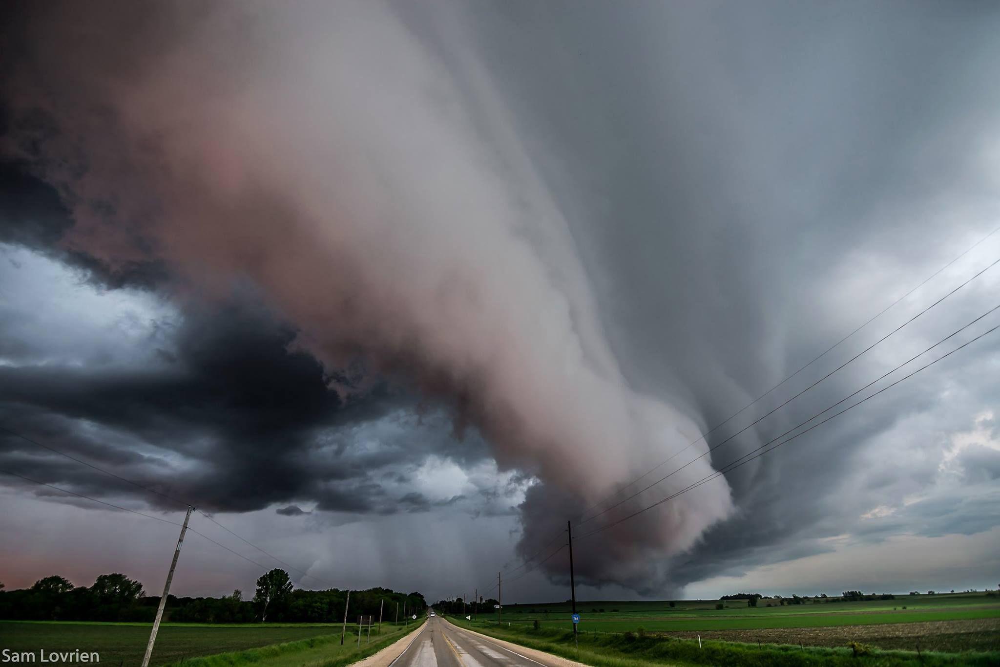Sam Lovrien Iowa Storm Photography Near Charles City Iowa